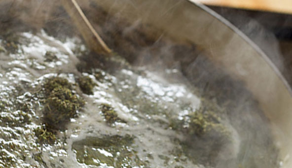 Simmer Cannabis Oil: cooking-instructions